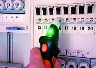 Grüne LED: Sicherung gehört zum gesuchten Stromkreis.